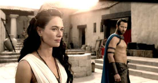 300-rise-empire-lena-headey-sullivan-stapleton