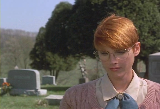 night_of_living_dead_1990_barbara_before