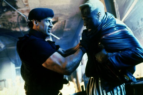 Demolition-Man-demolition-man-31146785-500-333