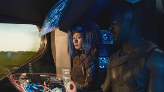 still-of-doona-bae-and-david-ajala-in-jupiter-ascending-(2015)-large-picture