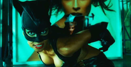catwoman-2004-movie-review-halle-berry-costume-2-fight - Copy