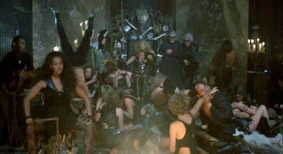 howling-ii-orgy